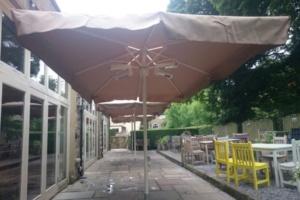 Giant Umbrella 8 (600 x 400)