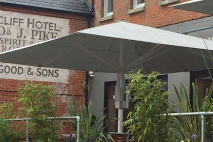 Retractable Roof Systems | Awnings & Canopies